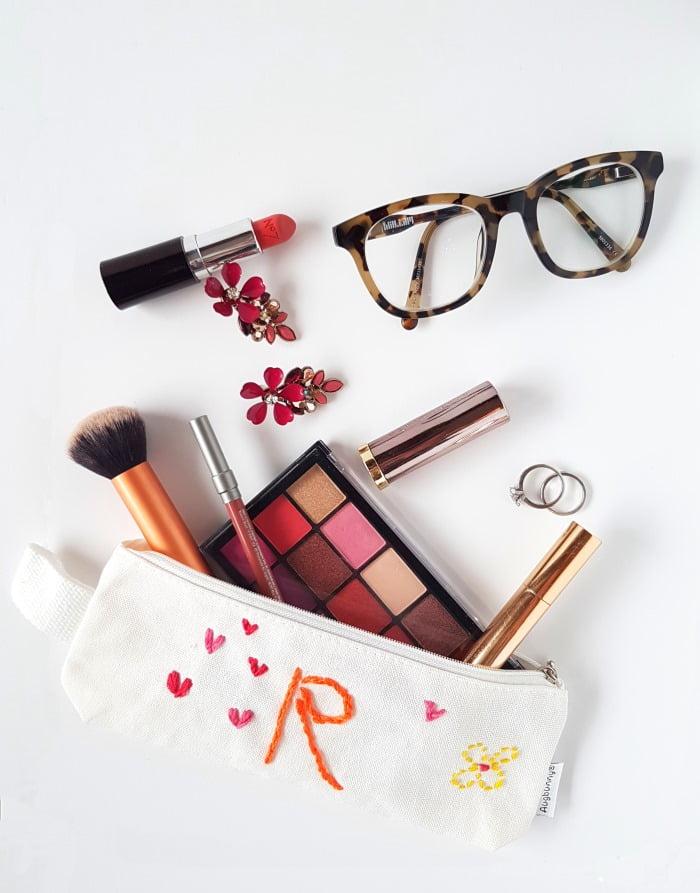 geborduurd make-up tasje